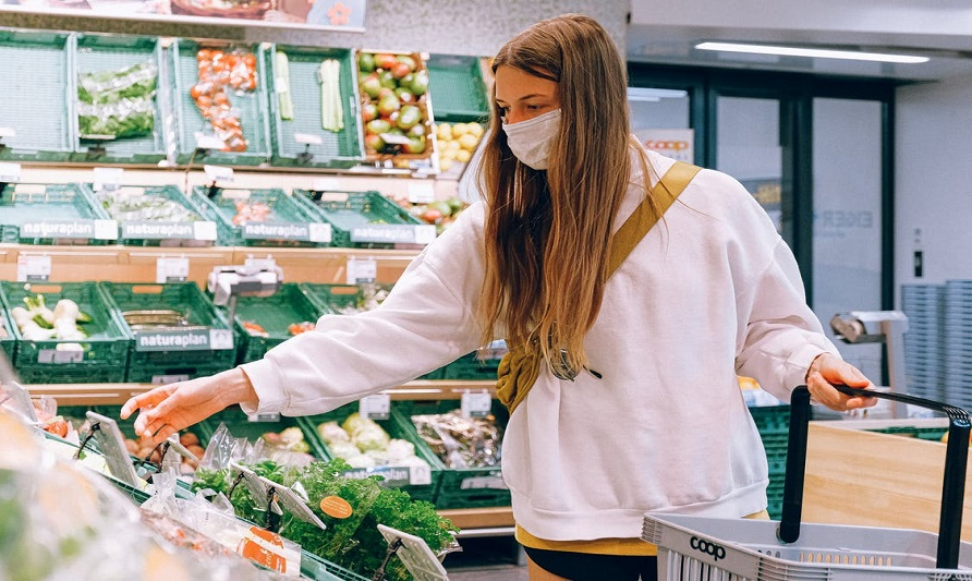 How to Buy Groceries Safely During Coronavirus Pandemic